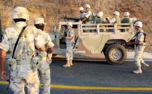 Las fuerzas militares y federales iniciaron la búsqueda de los cuatro presuntos responsables de la triple ejecución en el poblado de El Valle del Vizcaino, Baja California Sur.