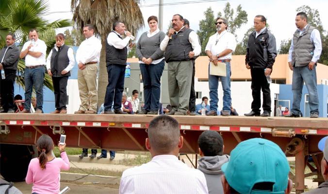 Enrique Alatorre en Centro de Gobierno de San Quintin
