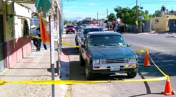 """Este vehículo era parte de los vehículos robados por el ladrón Zeus Yañez Ruiz """"El Chihuahua"""", y los cuales eran repintados y entregados a sicarios de """"Los Dámaso"""" en la segunda parte de la narcoguerra y su intento por recuperar el control de la Zona Norte de La Paz."""