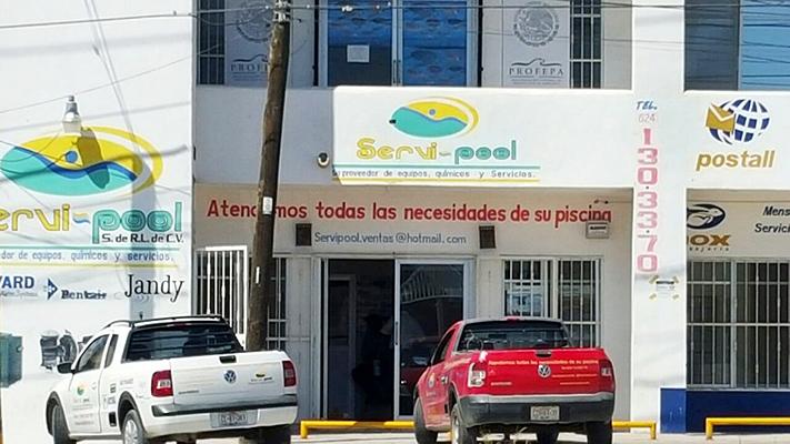 """El negocio """"Servi-pool"""", donde fue levantado y secuestrado el empresario que tiene el 80% del mercado de equipos, quimicos y servicios de albercas en Los Cabos"""