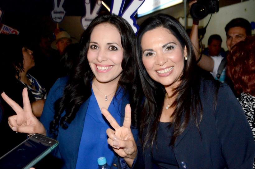 Foto: Cristian Torres/Alejandrina Corral (derecha)