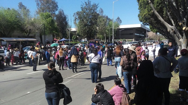 Bloquearon parcialmente la avenida Paseo Centenario.