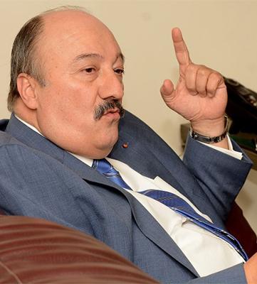 Ricardo del Monte, notario publico