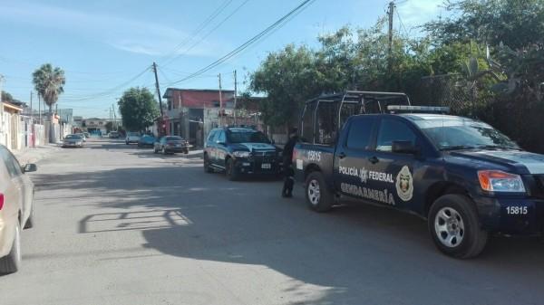 Fotos: Especial para ZETA/ agentes federales de la división de Gendarmería arribaron a la calle Eduardo Tres Guerras 37 en la colonia Nueva Tijuana