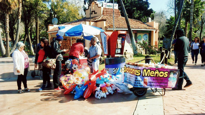 Vendedores ambulantes invaden parque