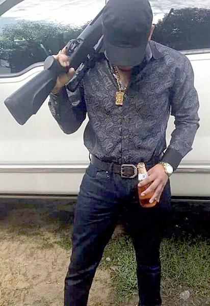 """Según """"La China"""", este sujeto es """"Juan"""", el sucesor de Ranulfo López Portillo """"La Muñeca"""", ejecutado en septiembre de 2015, y principal enlace criminal entre vendedores de droga y sicarios con el capo Dámaso López Serrano """"El Mini Lic"""", en Baja California Sur."""