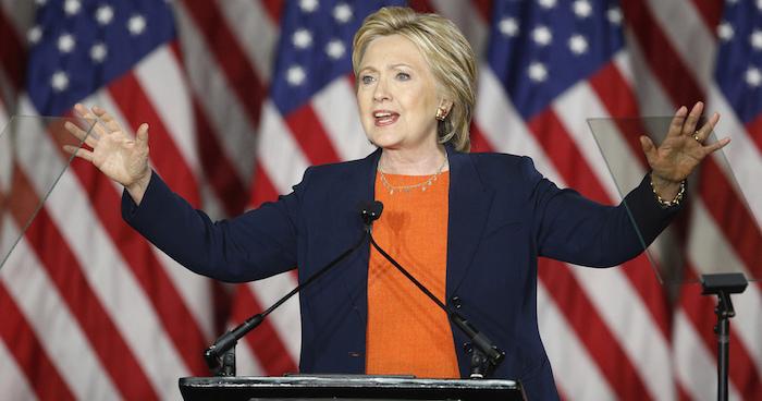Clinton se convierte en la primera candidata demócrata que busca la presidencia