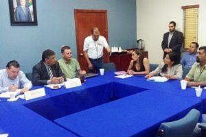FOTO: Daniel Gastelum.- El secretario aceptó recorrer escuelas
