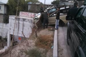 Los vecinos detuvieron al delincuente después del accidente. Foto: Cortesía