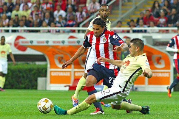 El gol de Oribe Peralta definió el partido.