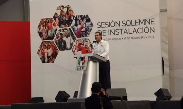 Enrique Ochoa Reza, presidente nacional del PRI. Fotos: Twitter