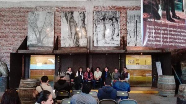 En conferencia de prensa. Fotos: Juan Carlos Domínguez