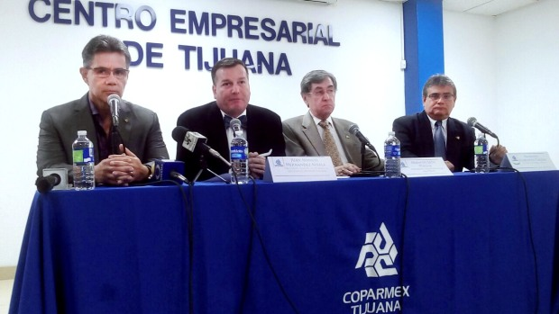 Coparmex y Canaco exigen al gobernador