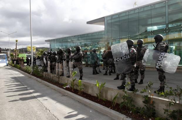 Terminal Insurgentes resguardada