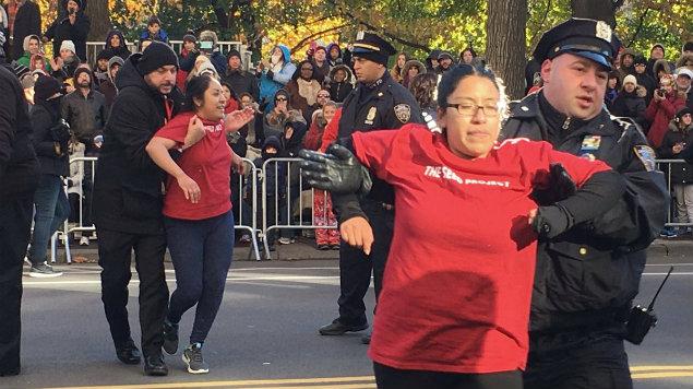Mexicanos Desfile del Día de Acción de Gracias en NY