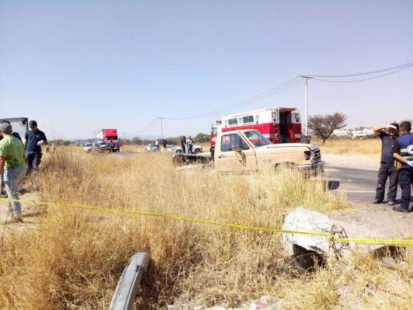 Cinco muertos y diez lesionados en choque de tren y camioneta