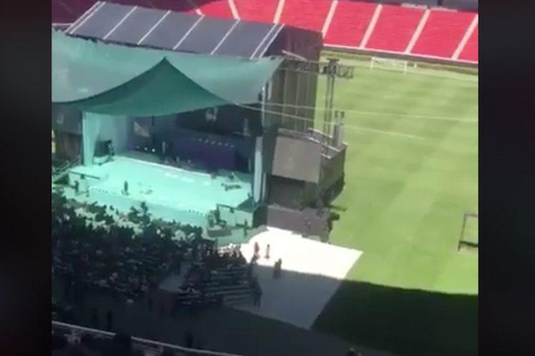 Meade es abucheado en el estadio de las Chivas