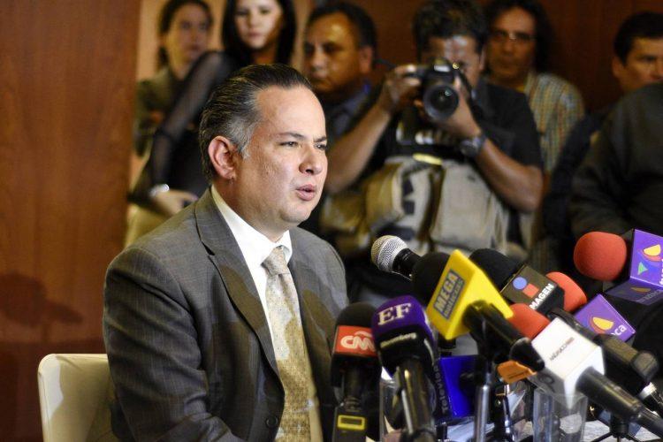 Nieto asegura que funcionario de Segob intentó sobornarlo