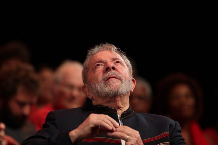 Juez ordena prisión contra ex presidente Lula da Silva