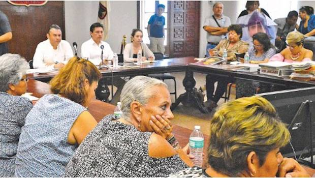 Se reúne Navarrete Prida con familiares de los desaparecidos