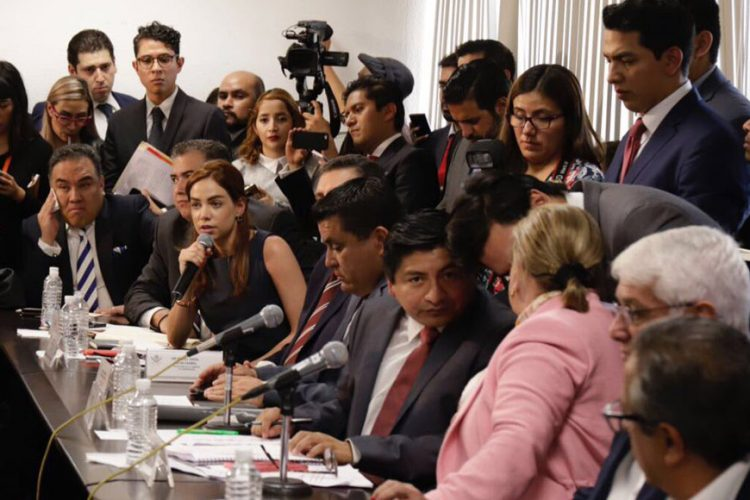 Diputados aprueban en comisiones dictamen sobre ley de publicidad oficial