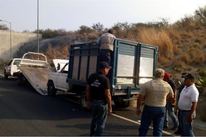 Dejan 9 cuerpos en una camioneta en Chilpancingo