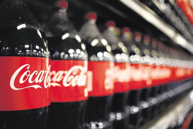 Coca Cola explora el negocio de las bebidas elaboradas con marihuana