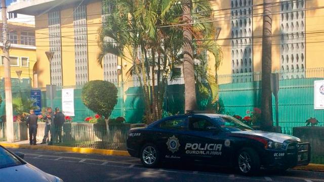 Estallan granadas en consulado de EE.UU. en Guadalajara
