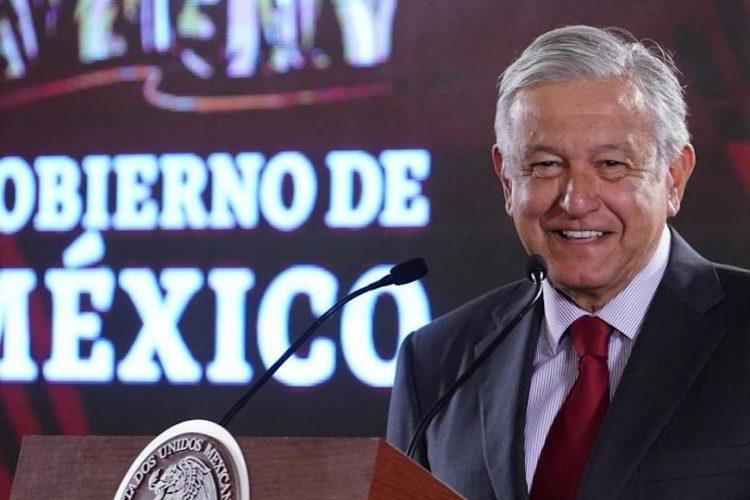 Standard and Poor's castiga a México por política neoliberal: AMLO