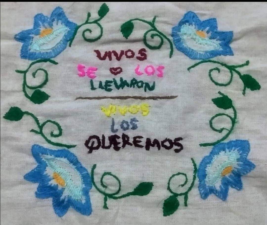Las mujeres yaquis bordan para la resistencia y la memoria. Cortesía: Tribu Yaqui