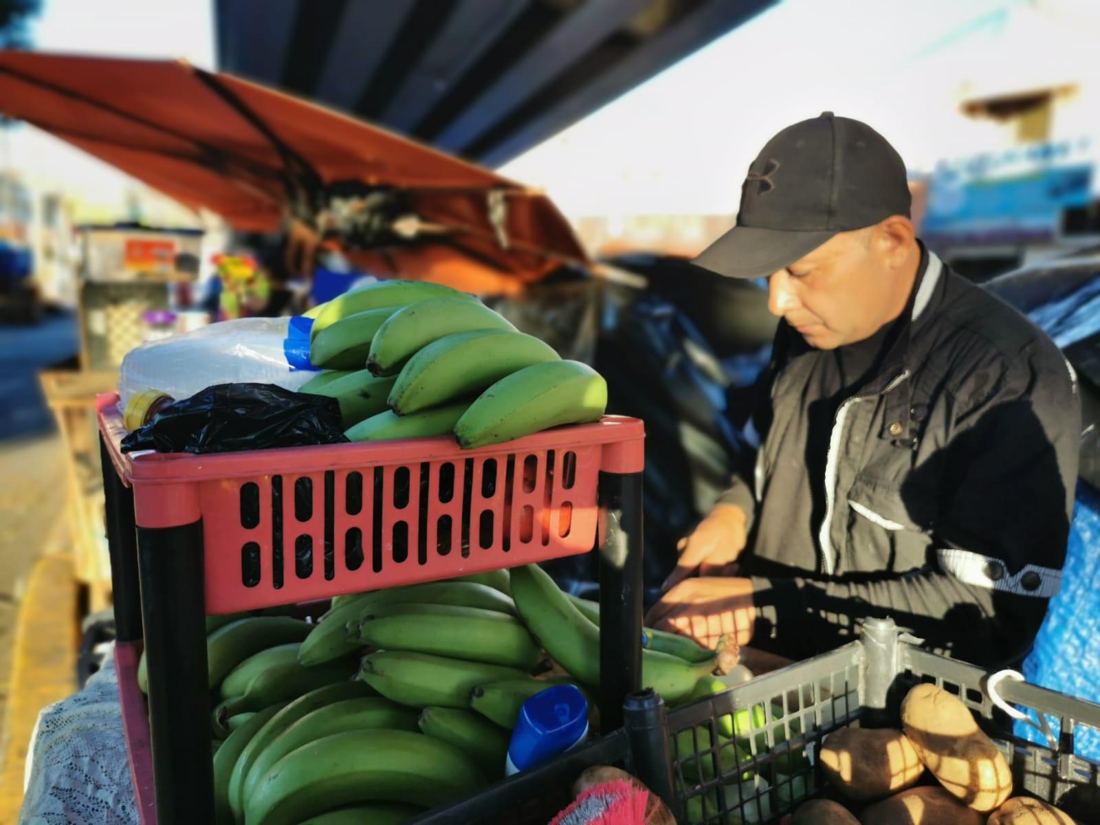 Salvadoreño y hondureña dan sazón centroamericano a campamento migrante. Noticias en tiempo real
